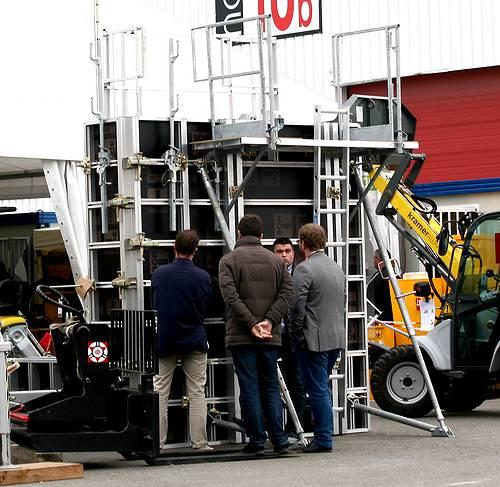 Coffrage de la société Noe Alu à la société Tony-Mat lors de la journée portes ouvertes du 30 septembre 2014, Tonymat matériel btp Bretagne Morbihan 56000 Vannes.