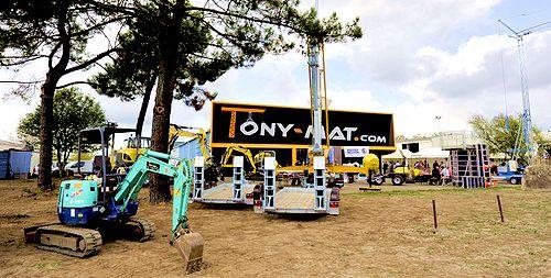 Tony-Mat Occasions, vue extérieure du magasin, matériels neufs ou d'occasion, 56000 Vannes Morbihan, Bretagne.