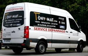 Camionnette de SAV pour le Service Dépannage de Tony-Mat, Tony-Mat réparation assistance engins de chantier et matériel btp Bretagne Morbihan Finistère.