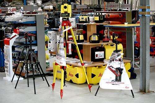 Lasermètres, stations totales, niveaux, théodolites, tachéomètres etc de Leica Geosystem