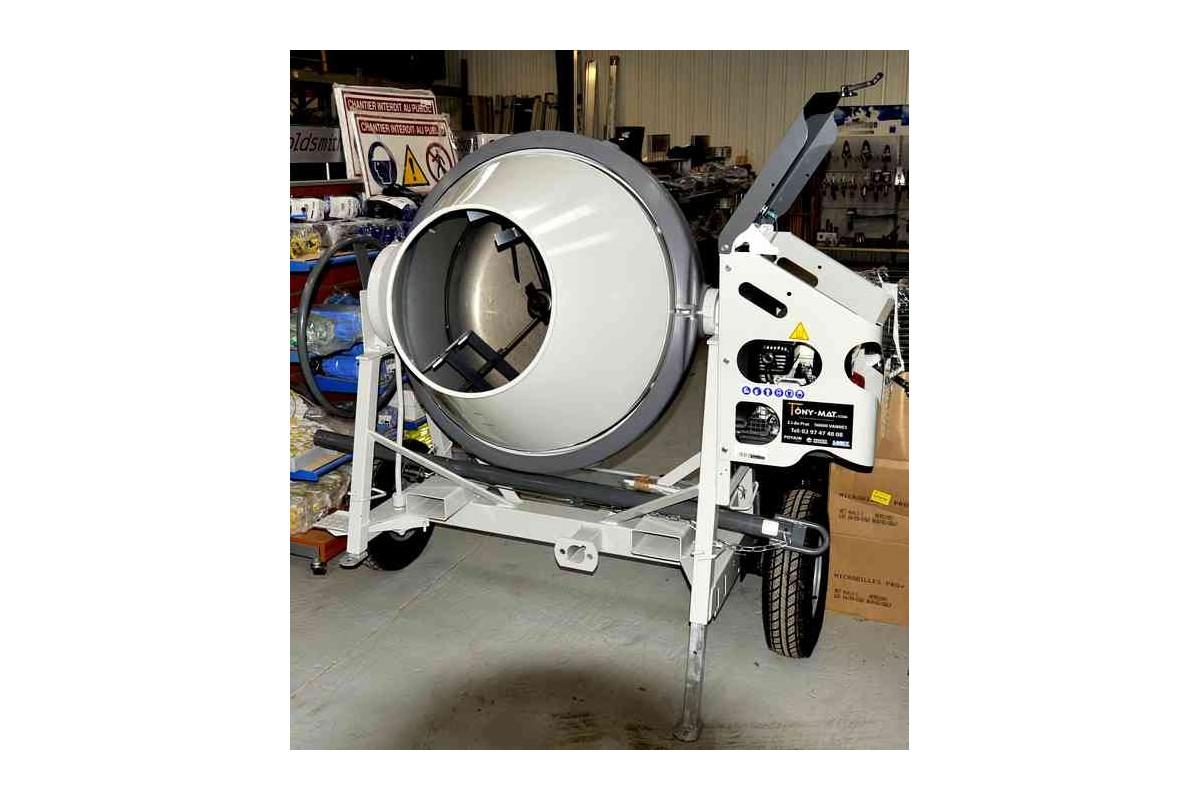 b tonni re st 480 de altrad malaxage de 400 litres tractable 90 km h. Black Bedroom Furniture Sets. Home Design Ideas